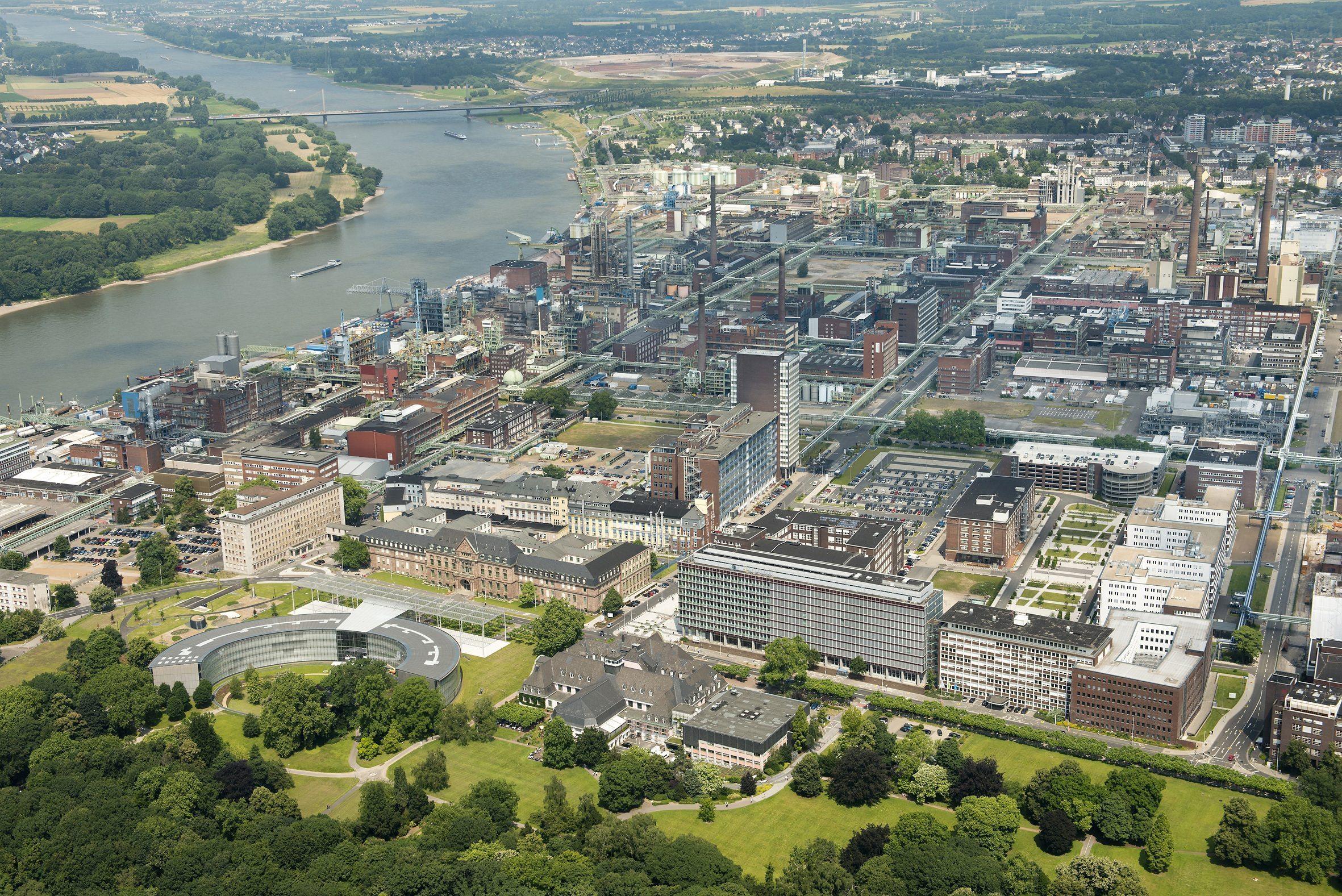 Luftaufnahme vom CHEMPARK Leverkusen, Blickrichtung Norden